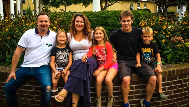 Announcing the 2016 Super Au Pair Winner - Simon Morice!