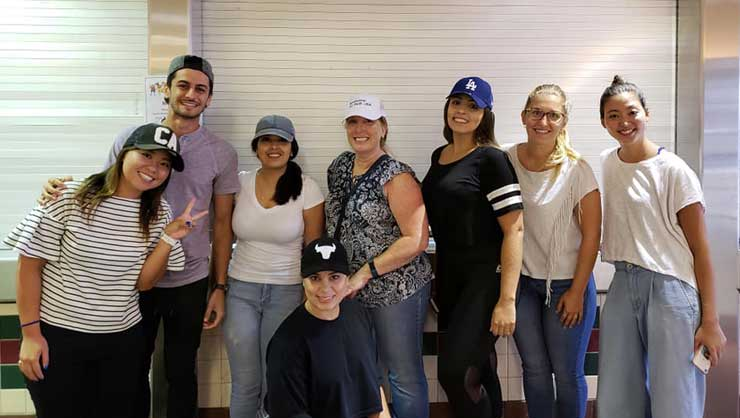 Au pairs in San Diego served lunch for the homeless.