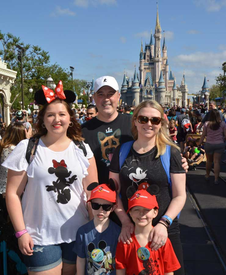 The Bryan family and Jasmine went to Disney!