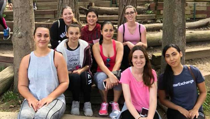 Long Island au pairs went hiking on the Greenbelt Trails in their area.