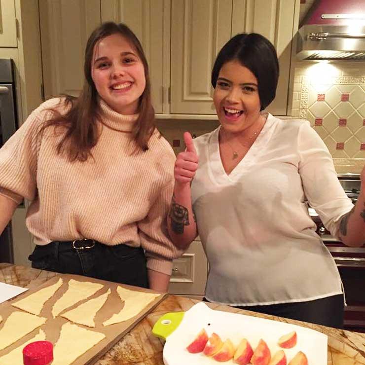 New Jersey au pairs baked apple pie crescent bites.