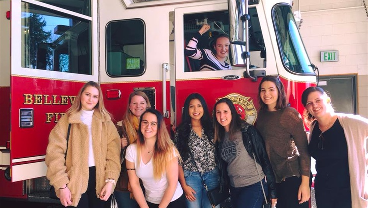 The Seattle au pairs visited the fire station.