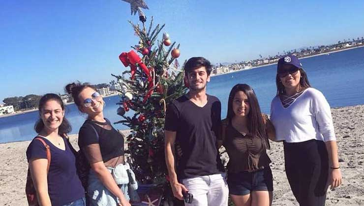 Au pairs in San Diego went rollerskating at the beach and even found a Christmas tree!