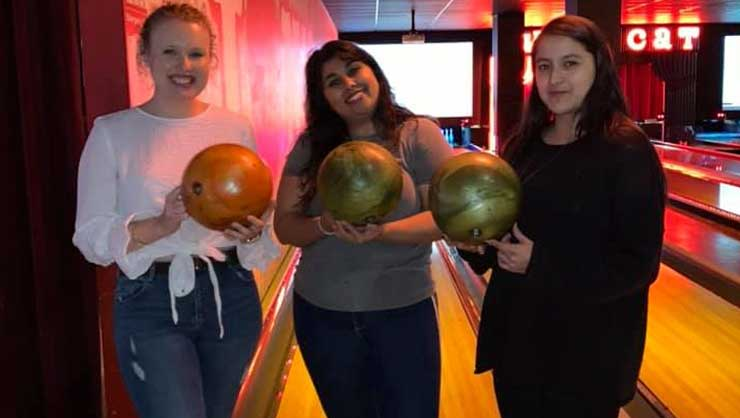 Au pairs in Jersey City went bowling, an American classic.