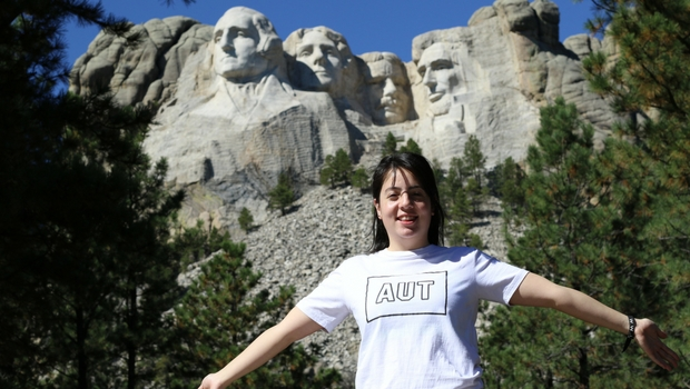 Even our presidents are big! Sharon visits Mount Rushmore.