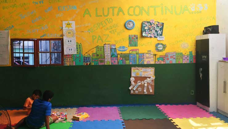 One of Project Favela's brightly colored classrooms.