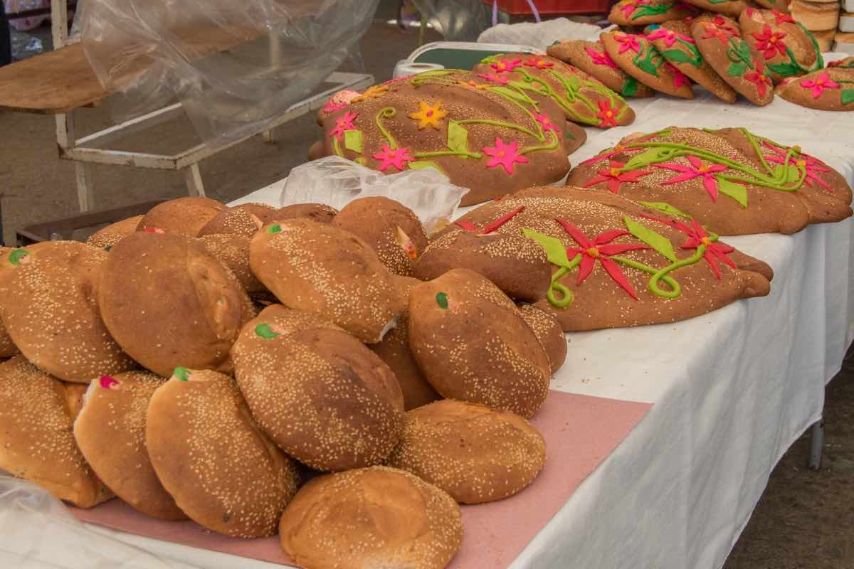 Pan de Muertos (traditional sweet Mexican bread)