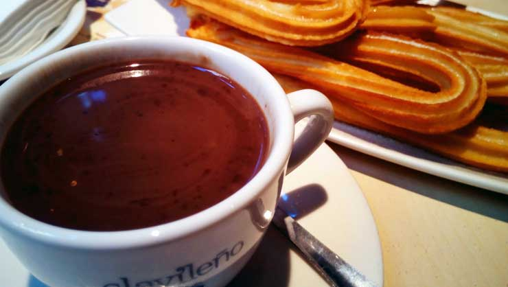 Delicious churros con chocolate - yum!