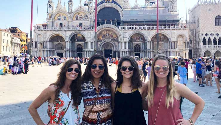 Travel with friends on our Summer English Camp Italy program and you'll get a discount!