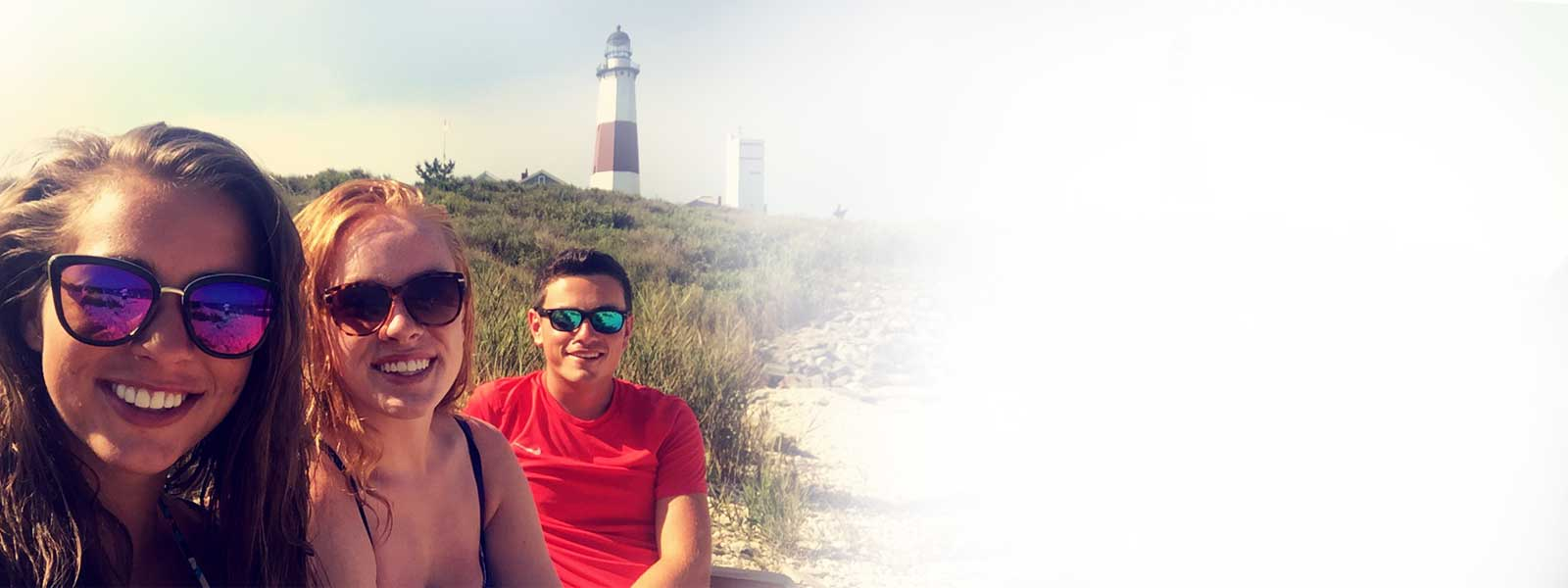 Work & Travel Students with Lighthouse
