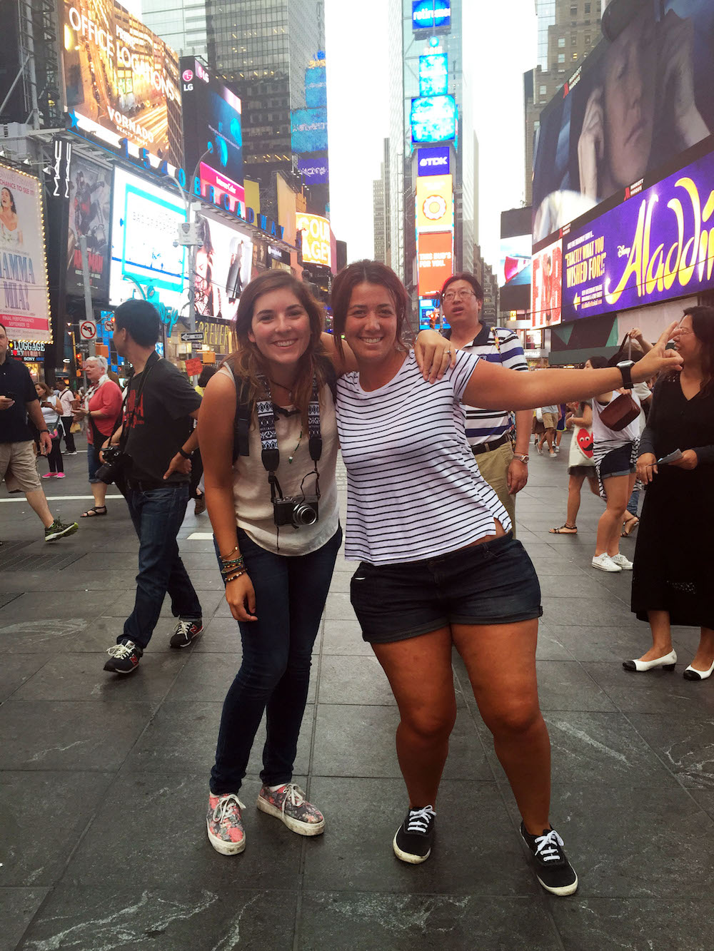 au pair in Times Square