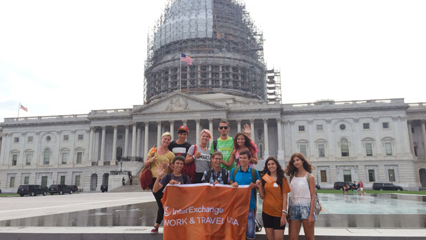 Work & Travel USA participants visit the U.S. Capitol.