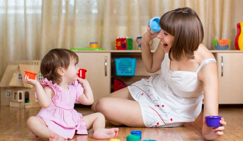 Au pair playing games