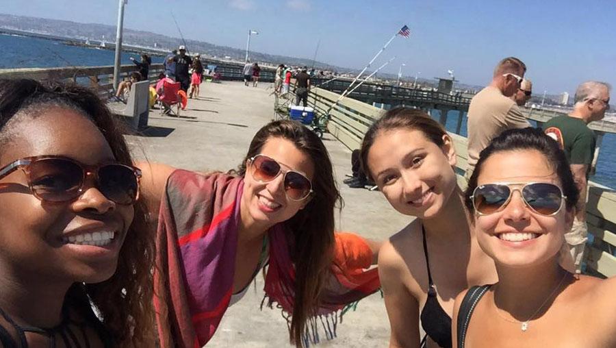 Bruna and friends at the beach