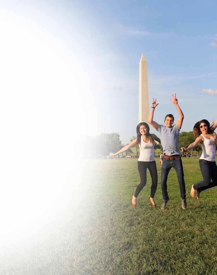 Work & Travel USA Participants at Washington Monument